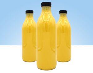 zumo de mango y coco recien elaborado