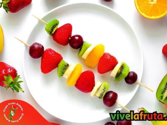 brocheta de fruta fresca vivelafruta